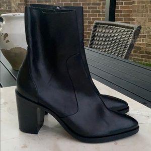 Steve Madden 8 Leather Mareena Boots